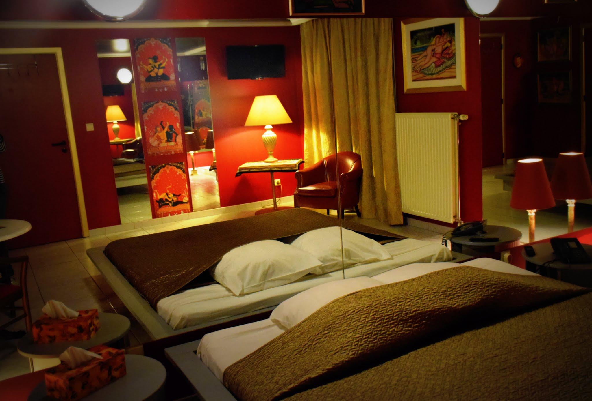 chambre miroirs kamasutra htel de jour